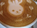 ラテアートカフェ クレマ、東広島市でデザインカプチーノを