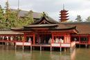 宮島 厳島神社、海に浮かぶ朱の社へ!拝観料やお守り・干潮情報など