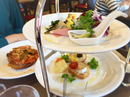 キャリー&キャサリン、広島にディッシュスタンド使ったヨーロピアンカフェ