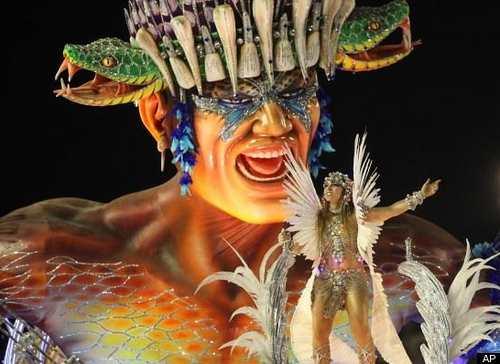 リオのカーニバル!過激衣装が凄すぎる、ブラジル情熱の祭典