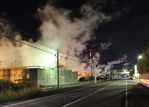 大竹コンビナートの夜景、工場萌え 水蒸気がすごい