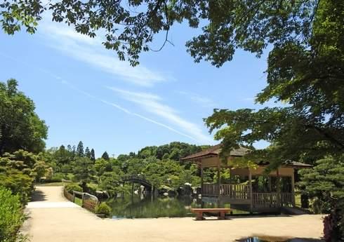三景園のベンチ
