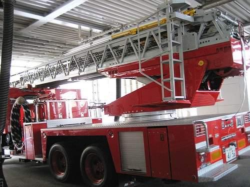 スケルトン消防署 消防車12