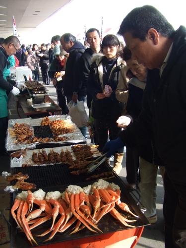 食べん祭はつかいち 会場の様子4