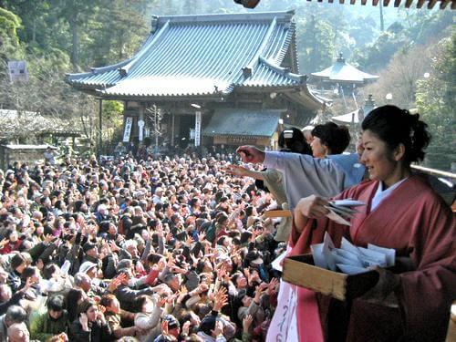 宮島 大聖院 節分祭、豆まきの様子 画像3
