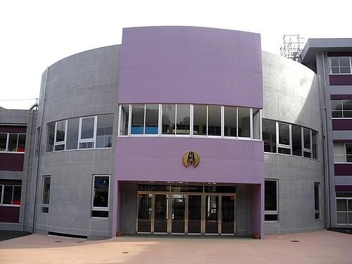 紫、パープルの学校 府中明郷学園