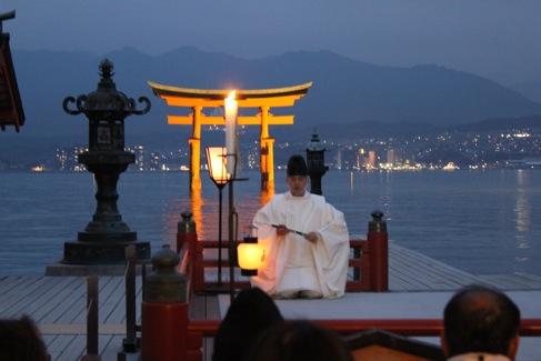 宮島 厳島神社の桃花祭10