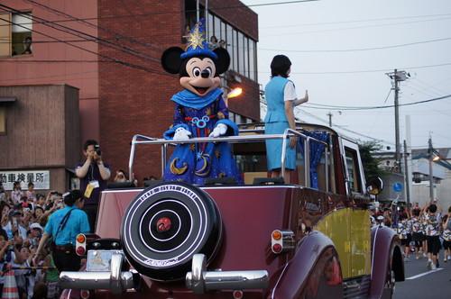尾道 シーサイドパレード、 ディズニーキャラクターも参加で観客 大声援