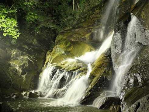 滝のライトアップ、廿日市市 妹背の滝が11日間限定で