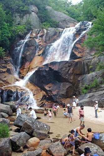 大野 妹背の滝で水遊び