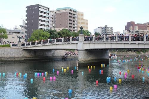 広島 灯篭流し 画像9