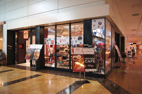 コカ・コーラ フリースタイルが導入された、羽田空港のレストラン エアポートダイナー