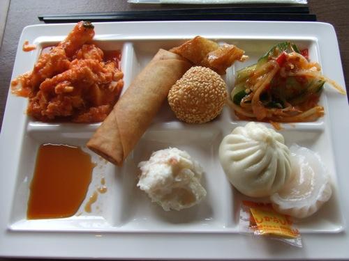 グランチャイナ広島、オープンキッチンの中華