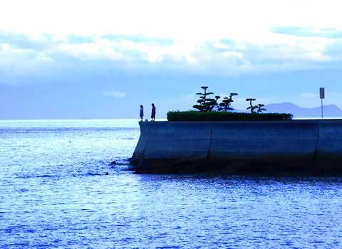 福山市 横島、海岸沿いの美しい景色