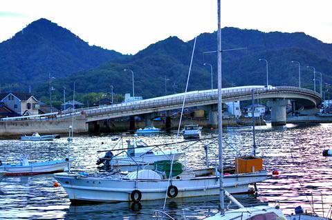 福山市 横島に渡る橋、睦橋