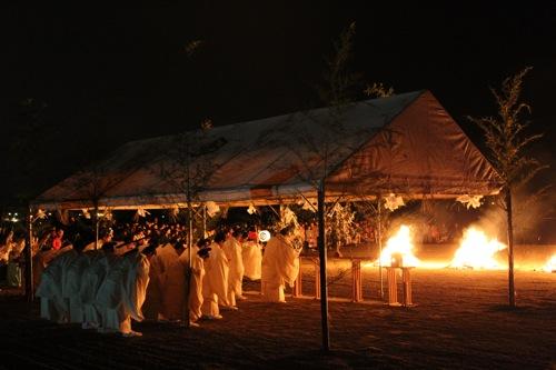 出雲大社 神迎祭、全国の神々を迎え入れる神事は神秘的