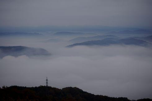 三次市 高谷山展望台から見た 霧の海