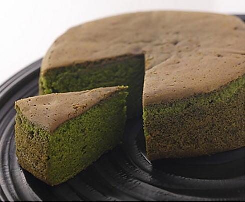 広島 抹茶バターケーキ ! 旨イイ話 で紹介された 駿河園の贅沢抹茶満月
