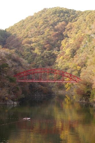 帝釈峡、紅葉の名所を歩く!神龍湖にかかる橋など楽しんで