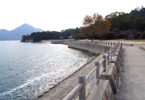 うさぎ島 大久野島 海岸沿いの風景