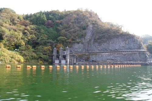 帝釈峡 遊覧船から見た ダムの様子