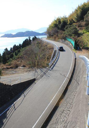 ハート島 広島県の小芝島を、大芝島から眺める