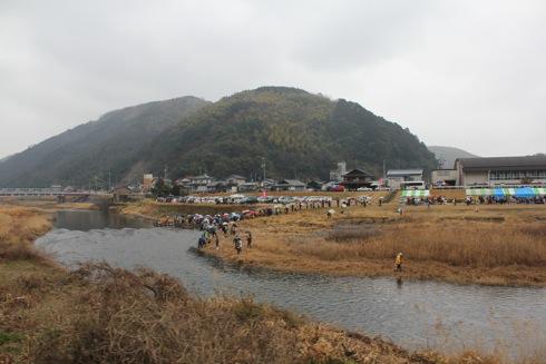大竹市 雛流しの様子 2