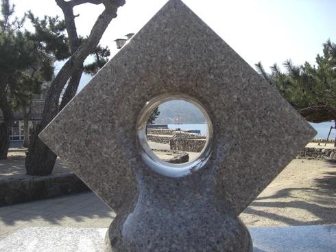 穴があったら覗きたい!宮島の写真撮影