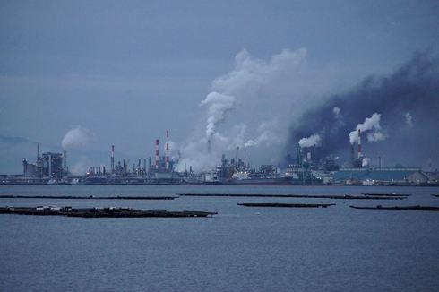 三井化学岩国大竹工場が爆発、2012年4月22日 深夜に爆音と共に炎上