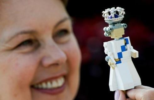 エリザベス女王即位60年記念、レゴ(LEGO)の女王