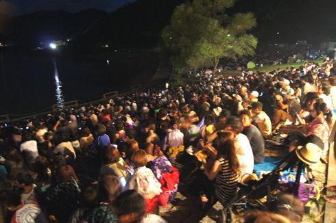 安芸高田 土師ダムの花火大会の画像 3