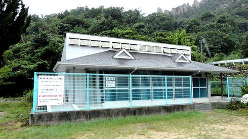 江田島 ビーチ長浜(長浜海岸) の更衣室など
