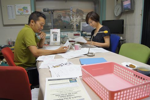 ヒビカン RCCラジオ リスナーのメッセージを読む青山さんたち