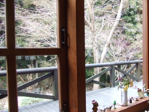 佐伯区湯来の ログ喫茶 富夢想野の窓辺