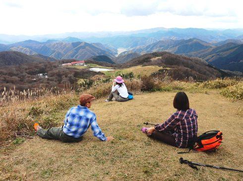 吾妻山(広島)で 紅葉・トレッキング・山ヨガ