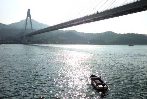 生口橋と、しまなみ海道の景色