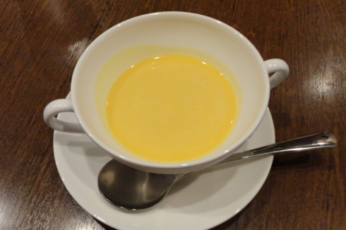 洋食屋 マルベリー 前菜のスープ