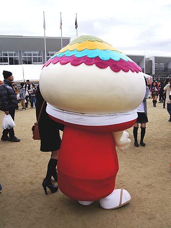 ふでりん、筆の里 熊野町のPRキャラクター 後姿