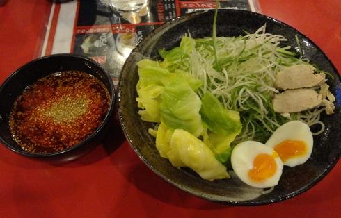 つけ麺の ばくだん屋、辛いけどクセになる広島の味