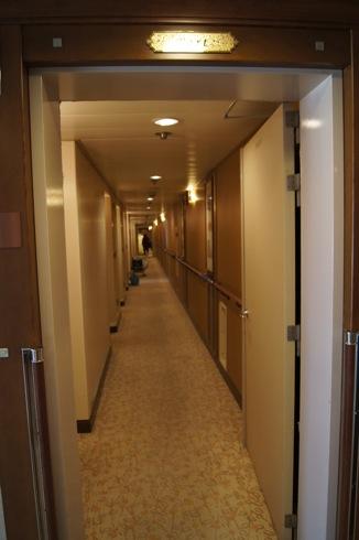 にっぽん丸 客室への廊下