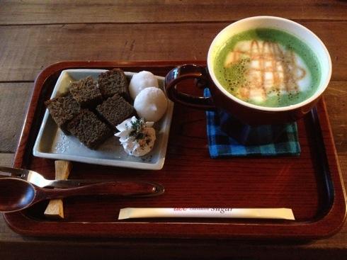尾道の 日本茶ばーUZI(ウージー)、日本茶専門店でまったり
