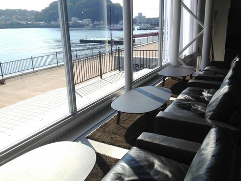 カフェ 24/7 coffee&roaster 宇品FLEX店内の様子2