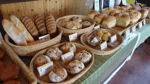 パン屋 ルサンク 並んだパン3