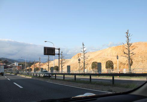 西風新都・石内、イオンモールなど石内東地区開発事業 工事の様子