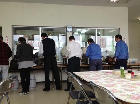 江田島 海辺の海鮮市場 ランチに来たひとたち