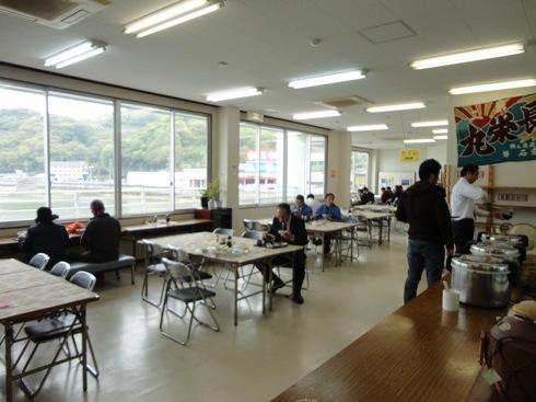 江田島 海辺の海鮮市場 2階の様子