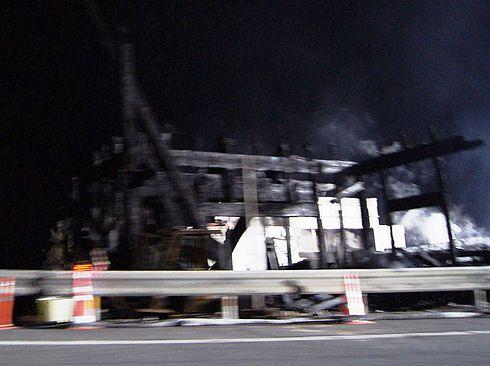 山賊の倉庫が火事で全焼 画像2