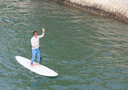 SUP(スタンドアップパドルボード) 広島で楽しむ人の写真