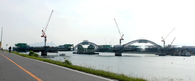 広島南道路 太田川放水路にかかる橋、観音側から