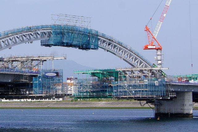 広島南道路 太田川放水路にかかる橋、アーチ部